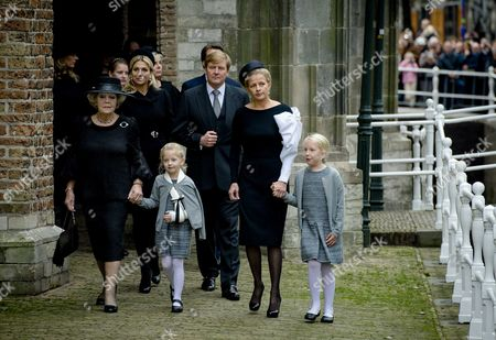(l-r) Dutch Princess Beatrix Queen Maxima Countess Zaria King Willem-alexander Princess Mabel and Countess Luana Arrive at the Old Church in Delft the Netherlands For the Memorial of Prince Friso 02 November 2013 Prince Friso the Younger Brother of King Willem-alexander Suffered Severe Brain Damage in February 2012 After the Skiing Accident in the Austrian Ski Resort of Lech He Died Aged 44 on 12 August 2013 Netherlands Delft