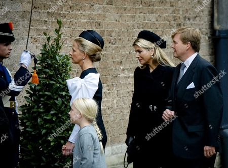 (l-r) Princess Mabel Countess Luana Queen Maxima and King Willem-alexander Arrive at the Old Church in Delft the Netherlands For the Memorial of Prince Friso 02 November 2013 Prince Friso the Younger Brother of King Willem-alexander Suffered Severe Brain Damage in February 2012 After the Skiing Accident in the Austrian Ski Resort of Lech He Died Aged 44 on 12 August 2013 Netherlands Delft