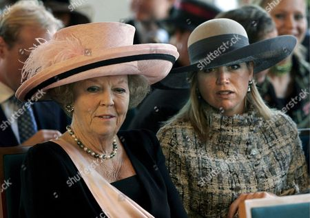 Dutch Queen Beatrix (l) and Princess Maxima Are Among the Guests who Attend the Wedding of Prince Floris and Aimee Sohngen at the City Hall of Naarden on Thursday 20 October 2005 the Wedding in Church Will Take Place in Naarden Next Saturday Prince Floris is the Fourth Son of Princess Margriet and Pieter Van Vollenhoven Netherlands Naarden