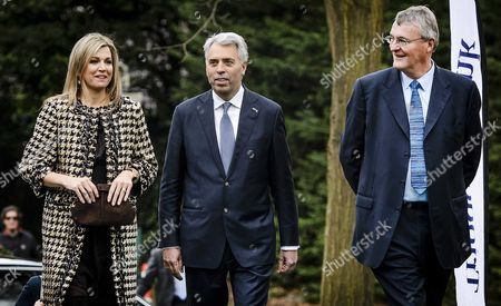(l-r) Dutch Queen Maxima Peter Blom Ceo Triodos Bank and David Carrington Member of Triodos Bank's Audit and Risk Committee Prior to a Panel Discussion at the 8th Annual Meeting of the Global Alliance For Banking on Values of the Triodos Bank in Zeist the Netherlands 08 March 2016 Netherlands Zeist