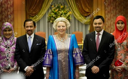 Stock Picture of Dutch Queen Beatrix (c) with Sultan Hassanal Bolkiah of Brunei (2-l) and His Wife (l) and Prince Haji Al-muhtadee Billah (2-r) and His Wife Attend a State Dinner in Bandar Seri Begawan Sultanate of Brunei 22 January 2013 on the Last Day of the Official Two-day-visit the Dutch Royal Family Will Fly to Singapore on 23 January 2013 For an Official Visit Brunei Darussalam Bandar Seri Begawan
