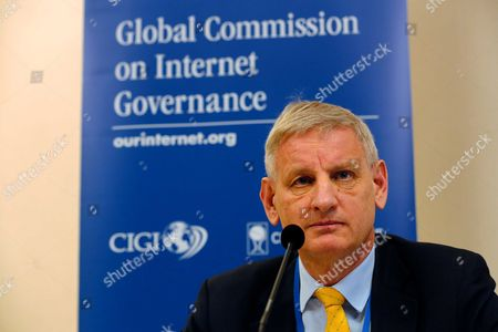 Carl Bildt Former Prime Minister and Foreign Minister of Sweden is Chair of the Global Commission on Internet Governance He Gives a Statement on Digital Security Prior to the Start of the Global Conference on Cyberspace 2015 in the Hague the Netherlands 15 April 2015 the Participants of the Conference Talk on Combating Crime on the Internet Privacy Rules and Other Matters Netherlands the Hague