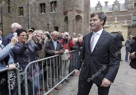 Caretaking Prime Minister Jan Peter Balkenende Walks Past Dutch People Gathered on the Binnenhof in the Hague the Netherlands on 14 October 2010 Media Reports State That Balkenende Leaving After Eight Years of Being Dutch Prime Minister and Has Handed Over to His Successor Mark Rutte Anp Phil Nijhuis Netherlands the Hague