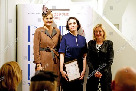 Dutch Queen Maxima (l) Smiles Next to Winning Dutch Artist Falke Pisano (c) and Culture Minister Jet Bussemaker (r) During the Presentation of the Prix De Rome a Dutch Award For Visual Artists and Architects Up to 40 Years in Amsterdam the Netherlands 05 November 2013 Pisano Won the Prize For Her New Piece Prison Work the Award Includes Prize Money of 40 000 Euros and a Residency in Rome Netherlands Amsterdam