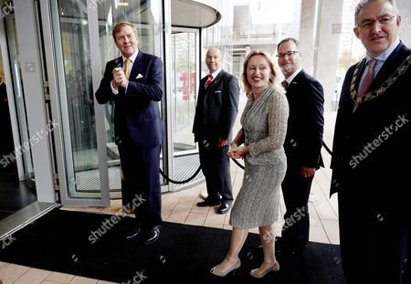 Dutch King Willem-alexander (l) Arrives with Dutch Culture Minister Jet Bussemaker (c) and Rotterdam Mayor Achmed Aboutaleb (r) For the Opening of the European Asian Summit For Culture Ministers in Rotterdam the Netherlands 20 October 2014 Netherlands Rotterdam