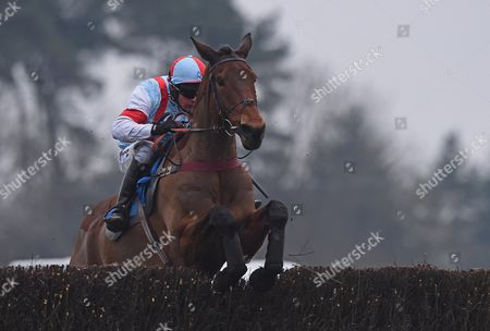 Katenko ridden by Liam Treadwell jumps in RACE 4 - 15:20 Exeter - 188Bet Veterans' Handicap Chase (Class 2) at Exeter Racecourse, Exeter, Somerset, England. - PHOTO: Dean Lancaster/PPAUK