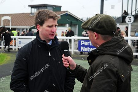 Neil Mulholland speaks to Luke Harvey - RACE 3 - 14:50 Exeter - Pertemps Network Handicap Hurdle (Qualifier) (Class 2) at Exeter Racecourse, Exeter, Somerset, England. - PHOTO: Tom Sandberg/PPAUK