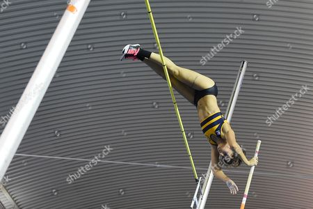 Shaftesbury B's Jade Ive wins the womens pole vault on Day One of the British Athletics Indoor Team Trials at the English Institute of Sport, Sheffield on 11th February 2017.