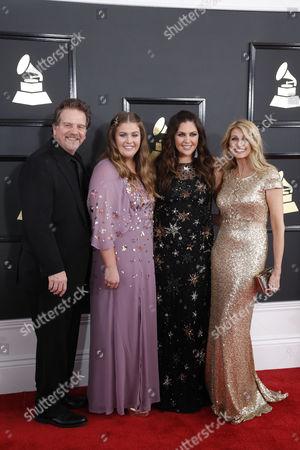 Lang Scott, Rylee Scott, Hillary Scott and Linda Davis