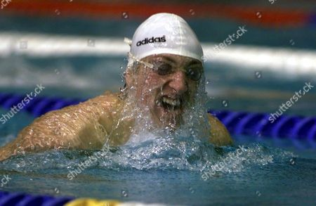 Sheffield United Kingdom: Austrias Maxim Podoprigora on His Way to the Mens 200m Breaststroke Final 13 December 1998 in the European Short Course Championships at Ponds Forge Pool Epa-photo/epa/gerry Penny United Kingdom Sheffield
