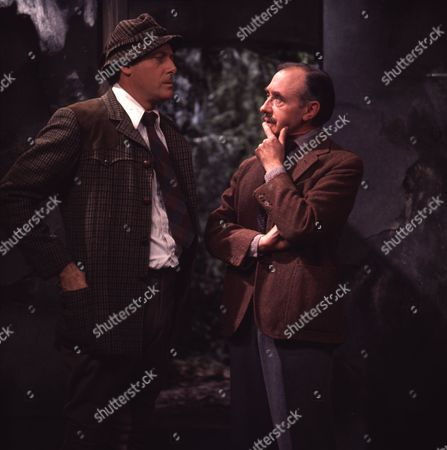 Victor Winding (as Benjamin Sweet) and Reginald Barratt (as Cowking)