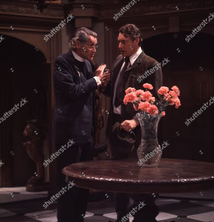 Victor Winding (as Benjamin Sweet) and David Garth (as Thurloe)