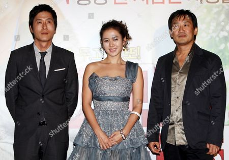 A Picture Made Available 15 October 2006 Shows Director Jung Yoon-soo (r) and Lead Actors of His New Movie 'My Wife Got Married ' South Korean Actors Kim Joo-hyuk (l) and Sohn Ye-jin (c) Posing For a Photo During a Publicity Event at Cgv Theater in Seoul South Korea 14 October 2008 the Movie Will Be Released in South Korea on 23 October Korea, Republic of Seoul