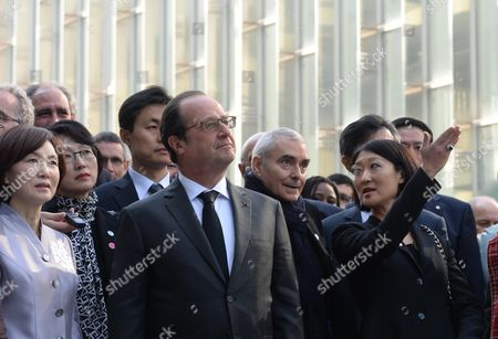 French President Francois Hollande (c Front) Tours an Underground Campus Facility the Ehwa Campus Complex Designed by French Architect Dominique Perrault During a Visit to Ehwa Womans University in Seoul South Korea 04 November 2015 Accompanying Him Were the University Chief Choi Kyung-hee (l) and French Culture Minister Fleur Pellerin (r) Korea, Republic of Seoul
