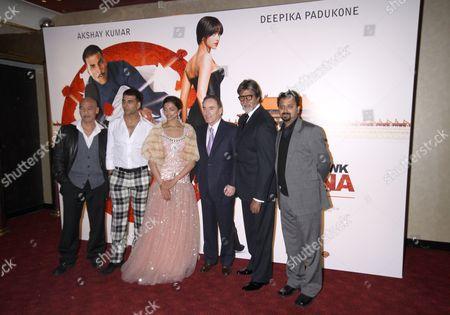 Roger Yuan, Akshay Kumar, Deepika Padukone, Richard Fox of Warner Bros. International, Amitabh Bachchan and director Nikhil Advani