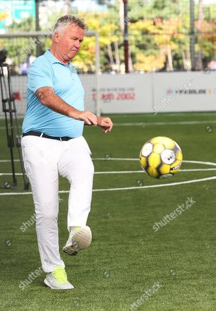 Former South Korea Football Team's Head Coach Dutch Guus Hiddink Shows Off Ball Control Skills at a Ceremony at the Newly-built Futsal Stadium in Anseong South Korea 04 October 2016 Hiddink and the Players From the 2002 World Cup Team Contributed to the Construction of the Facility to Help Find and Develop Future Soccer Players Korea, Republic of Anseong
