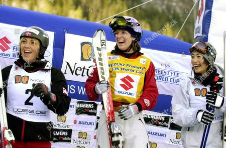Voss Norway: the Winners of the Womens Fis World Cup Freesyle 2003 Race at Voss in Central Norway Saturday March 1 2003 Center is First Placed Shannon Baker Usa Right is Second Placed Aiko Uemura Japan Left Third Placed Kari Traa Norway