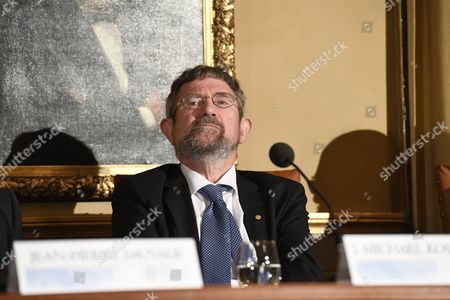 British Professor of Physics and Nobel Prize Laureate Michael Kosterlitz Attends a Press Conference at the Royal Swedish Academy in Stockholm Sweden 07 December 2016 Kosterlitz Won the Nobel Prize For His Work with David Thouless and Duncan Haldane on Work That May Pave the Way For Quantum Computers and Other Technologies Sweden Stockholm