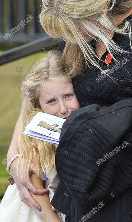Funeral Of Murdered Merseyside Police Officer Pc Dave Phillips At Liverpool Anglican Cathedral Liverpool Merseyside. Wife Jen Phillips With Daughter Abigail.