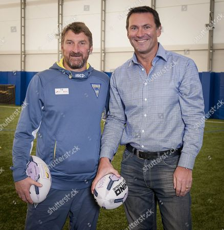 Warrington Wolves Rugby League Player Roger Draper With Head Coach Tony Smith