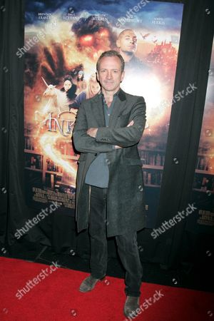 Iain Softley, director