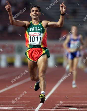 Budapest Hungary - Portuguese Antonio Pinto Jubilates After Winning the Men^s 10 000m at the European Athletics Championships in Budapest 18th August 1998  Epa-photo/epa/anja Niedringhaus/nie/fob/ow Hungary Budapest