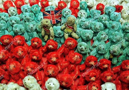 London United Kingdom: Grubby Mc (c Left) and Young Mc (c Right) Part of an Army of Hundreds of Miniature Teddy Bears Owned by Distinguished Officers and Twin Brothers Colonel Sir Guy Campbell Late Kings Royal Rifles ( United Kingdom London