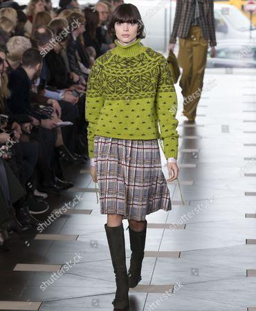 Charlee Fraser on the catwalk
