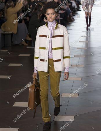 Samile Bermannelli on the catwalk