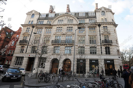 Stock Image of 6 Wyndham House Sloane Square London Sw1 Homes Where Victoria Glendinning Has Lived 2016/01/04.