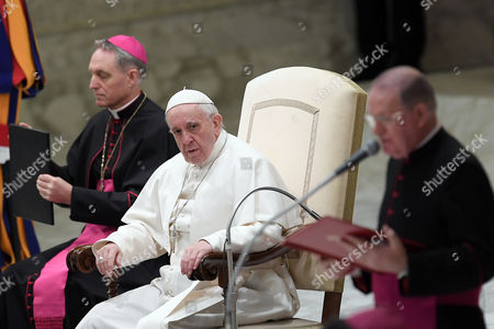Monsignor Georg Ganswein and Pope Francis during the General Audience