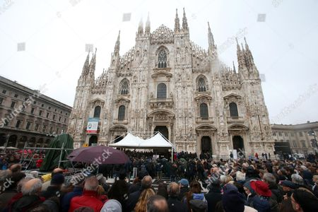 People Gather at the Piazza Del Duomo During the Funeral of Italian Playwright and 1997 Nobel For Literature Winner Dario Fo in Milan Italy 15 October 2016 Fo Died at Age 90 in Milan Italy Milan