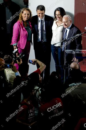 Italian Premier Matteo Renzi (2-l) is Flanked by Campania Governor Vincenzo De Luca (r) and Italian Actress Veronica Mazza (l) During a Naples Rally For His Democratic Party (pd) Mayoral Candidate Valeria Valente (2-r) Naples Italy 03 June 2016 Mayoral Elections in Cities Including Rome Milan and Naples on 05 June Are not Votes For Or Against the Government Premier Matteo Renzi Reiterated 03 June Renzi Said 'As We Have Said in Every Way It Isn't a Vote on the Government But Decidedly It is Very Important to Choose the Future of the Cities' Italy Naples