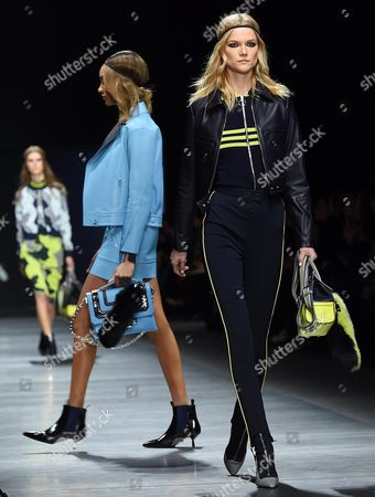 British Model Jourdan Dunn (c) and Polish Model Kasia Struss (r) Present Creations by Versace During the Milan Fashion Week in Milan Italy 26 February 2016 the Fall-winter 2016/2017 Women's Collections Are Presented at the Milano Moda Donna From 24 to 29 February Italy Milan