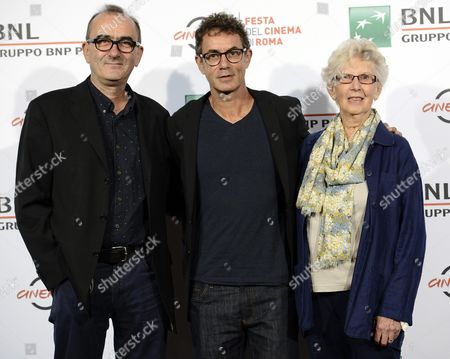 Italian Film Maker Francesco Patierno (c) Poses with Actors/cast Members Julien Evans (l) and Maureen Lewis (r) During a Photocall For the Movie 'Naples 44 (napoli '44)' at the 11th Annual Rome Film Festival in Rome Italy 18 October 2016 the Festival Runs From 13 to 23 October Italy Rome