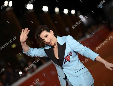 Stock Image of French Actress/cast Member Juliette Binoche Arrives For the Screening of 'The English Patient' at the 11th Annual Rome Film Festival in Rome Italy 22 October 2016 the Film Festival Screened 'The English Patient' Directed by British Filmmaker Anthony Minghella (1954-2008) on the Occasion of 20th Anniversary of the Movie's Release the Festival Runs From 13 to 23 October Italy Rome