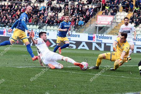 Carpi's Raffaele Bianco (c) Scores a Goal During the Italian Serie a Soccer Match Carpi Fc Vs Frosinone Calcio at Alberto Braglia Stadium in Modena Italy 13 March 2016 Italy Modena