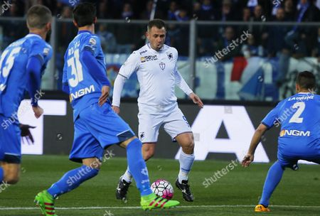 Sampdoria's Forward Antonio Cassano (c) in Action During the Italian Serie a Soccer Match Between Empoli Fc and Uc Sampdoria at Carlo Castellani Stadium in Empoli Italy 12 March 2016 Italy Empoli
