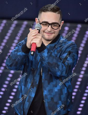 Italian Singer Rocco Hunt Performs During the Tv Show 'Domenica In' at the Ariston Theater in Sanremo Italy 14 February 2016 Italy Sanremo (im)