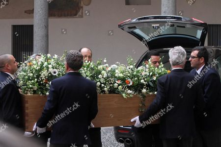 The Coffin of Italian Author Umberto Eco is Carried Into the Courtyard of the 15th-century Sforza Castle in Milan Italy 23 February 2016 the Non-religious Funeral of the Writer and Academic is to Be Held in the Courtyard Eco Died at the Age of 84 on 19 February After a Battle with Cancer Italy Milan