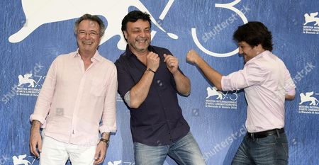 (l-r) Argentinian Actor Oscar Martinez Director Marcos Carnevale and Actor Rodrigo De La Serna Pose During a Photocall For 'Inseparables' During the 73rd Venice Film Festival in Venice Italy 05 September 2016 the Movie is Presented in the 'Cinema Nel Giardino' Section at the Festival Running From 31 August to 10 September Italy Venice