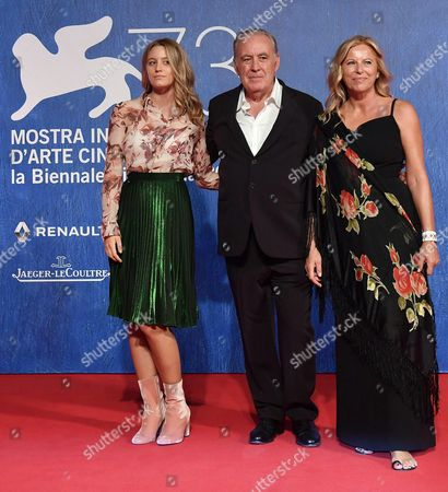 Italian Director and Journalist Michele Santoro (c) His Wife Sanja Podgajski (r) and His Daughter Nicole (l) Arrive For the Premiere of 'Robinu' at the 73rd Annual Venice International Film Festival in Venice Italy 07 September 2016 the Festival Runs From 31 August to 10 September Italy Venice