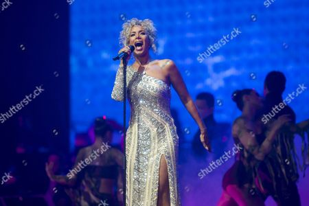 Photo Made Available 11 December 2016 of British Singer and Songwriter Leona Lewis Performing During Hungarian Pianist and Composer Balazs Havasi's Havasi Symphonic Concert at the Papp Laszlo Sports Arena in Budapest Hungary 10 December 2016 Hungary Budapest