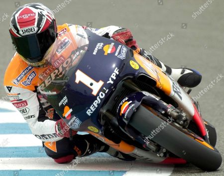 Eo5 - 20000429 - Jerez Spain: Spain's Alex Criville Reigning World Champion in the 500cc Class Takes a Curve on His Honda Motorbike in Jerez on Saturday 29 April 2000 During the Qualification For the Spanish Motorcycling Grand Prix 30 April (electronic Image) Epa Photo Efe/jaro Munoz/jm/pd-fob Spain Jerez