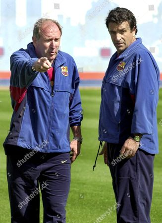 B02 - 20010424 - Barcelona Spain : New Fc Barcelona Coach Carlos Rexach (left) Talks with Deputy Jos Ramn Alexanco During Their First Training Session with the Team This Morning on Tuesday 24 April 2001 the Spanish Primera Division Giant Sacked Monday Coach Lorenzo Serra Ferrer After a Meeting of the Club½s Executive Committee Rexach Technical Director of the Club and Former Deputy Coach of Dutch Johann Cruyff Will Be in Charge Until the End of the Season Epa Photo Efe/andreu Dalmau Spain Barcelona