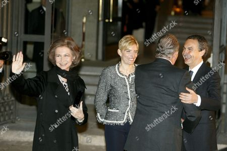 Spanish King Juan Carlos (2-r) Greets Spanish Prime Minister Jose Luis Rodriguez Zapatero (r) in Presence of Queen Sofia (l) and Zapatero's Wife Sonsoles Espinosa (2-l) at the Entrance of the Royal Theater in Madrid Central Spain 08 January 2010 the Gala Ceremony to Inaugurate Spains?s Presidency of the Eu Will Be Held at the Royal Theater Swedish Foreign Minister Carl Bildt Will Officially Hand Over the Presidency From Sweden to Spain in a Ceremony with Spanish Prime Minister Jose Luis Rodriguez Zapatero on 09 January 2010 Spain Madrid