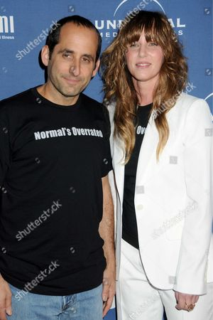 Peter Jacobson and Katie Jacobs