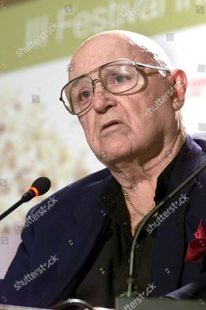 Lp02 -20020308- Las Palmas Spain : Us Actor Rod Steiger During a Press Conference Friday 08 March 2002 in Las Palmas where Tonight He Will Receive the Lady Harimaguada Award at the Iii Las Palmas International Film Festival Epa Photo Efe Spain Las Palmas