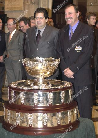 B11 - 20001208 - Barcelona Spain : Spanish Davis Cup Team Captain Javier Duarte (l) and His Australian Counterpart John Newcombe (r) Pose with the Trophy During the Draw Ceremony in Barcelona Thursday 07 December 2000 For the Davis Cup Final Starting on Friday December 08 Epa Photo Efe/lluis Gene Spain Barcelona