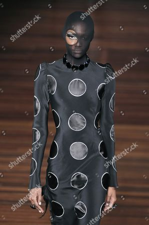 A Model Presents a Creation by Brazilian Fashion Designer Alexandre Herchcovitch During the Sao Paulo Fashion Week Winter 2016 Collections in Sao Paulo Brazil 18 October 2015 the Event Runs From 18 to 23 October 2015 Brazil Sao Paulo